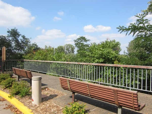 Benches near Governor's Mansion that overlook the Missouri River and Amtrak Station