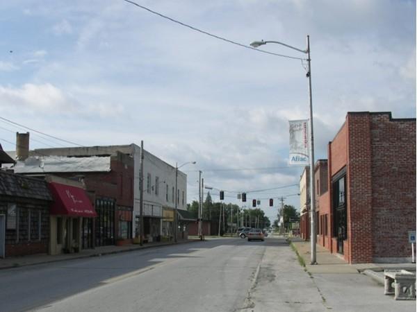 Niza's Main Street