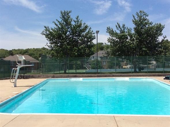 Emerald Park swimming pool