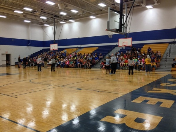 Lafayette Co. C-I Middle School kicks off the MAP Test with encouraging words from the principal