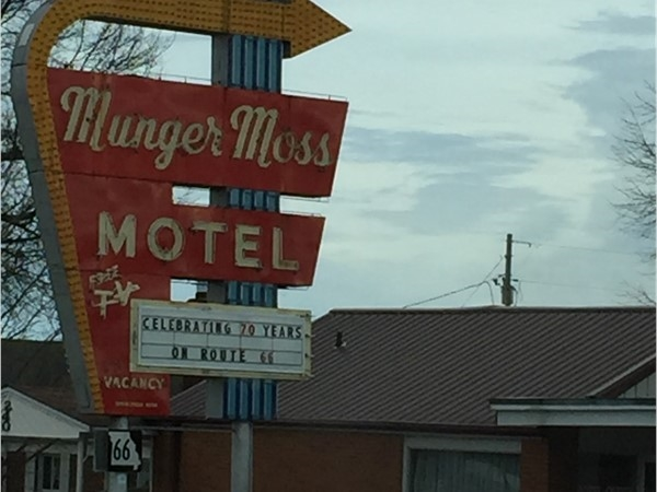 This is a must see in Lebanon! Historic Munger Moss Motel on Rt 66 in Lebanon