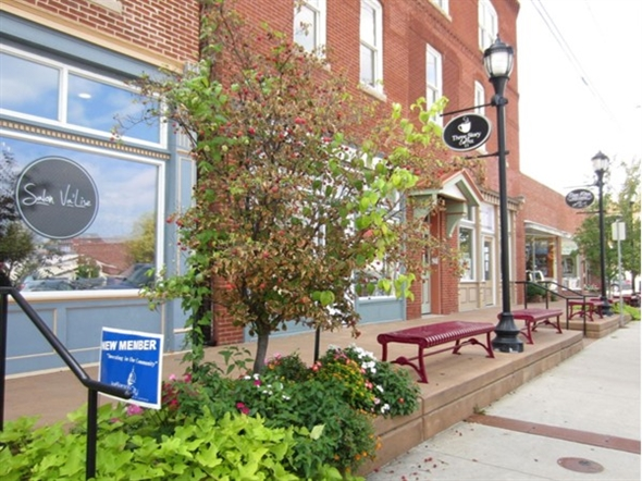 Entire block of Dunklin has been remodeled with shops, lofts, and dining