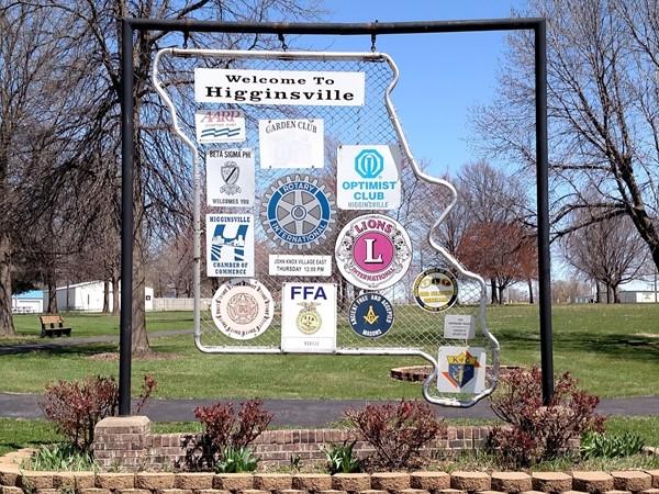 Service clubs in Higginsville
