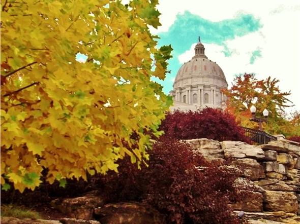 Fabulous fall colors frame the Missouri State Capitol Building