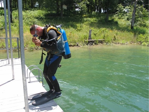 Clear and clean water is great for scuba on Table Rock Lake