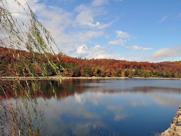 StoneBridge Village , Branson West, MO has a walking trail around Fox Hollow Lake