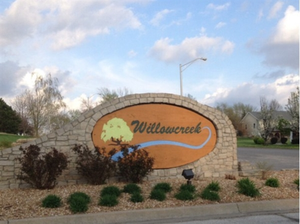 Build your dream home in Willowcreek! It is a great place to live and central to everything
