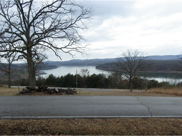 These views of the White River Arm on Table Rock Lakes just can't be beat