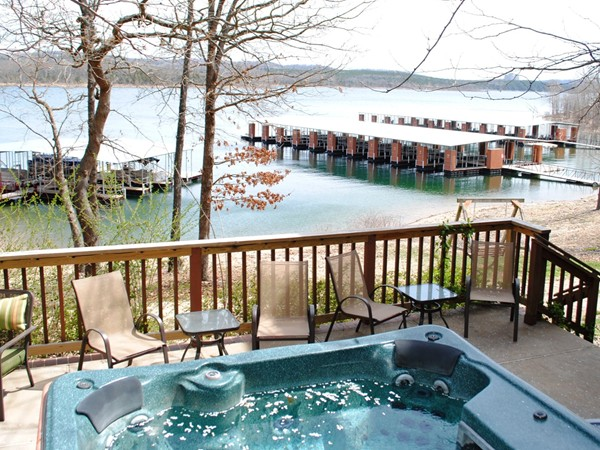 Enjoy a lake front hot tub and a short stroll to your boat!