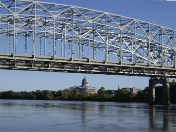 Jefferson City, MO, capitol building & Missouri River