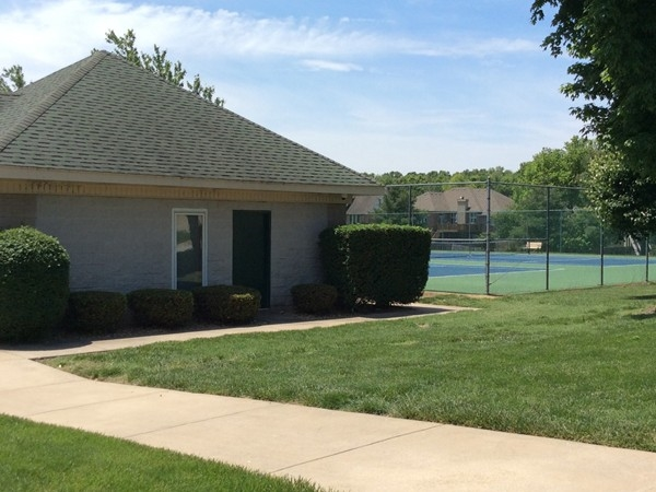 Emerald Park club house and tennis courts