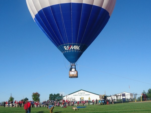 Balloon demonstration for elementary students