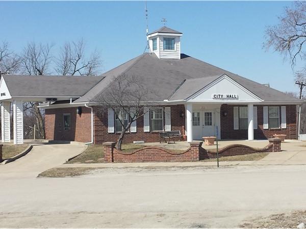 City Hall-Grant City