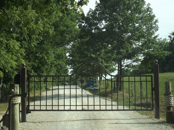 Waterfront gated community in Shell Knob