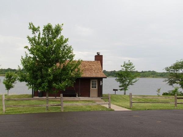 Mozingo Lake cabin