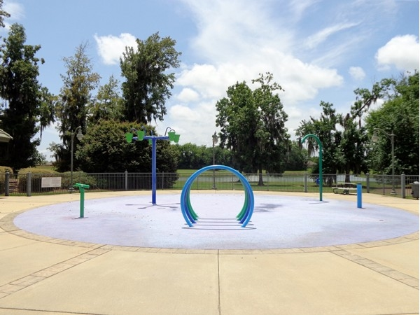 Deer Creek residents can cool off with the kiddos at the splash pad