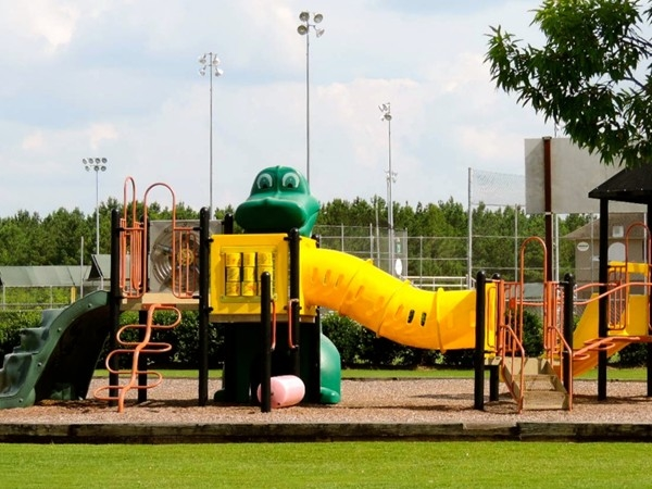 Thorington Road Ball Park - explore outdoor playtime