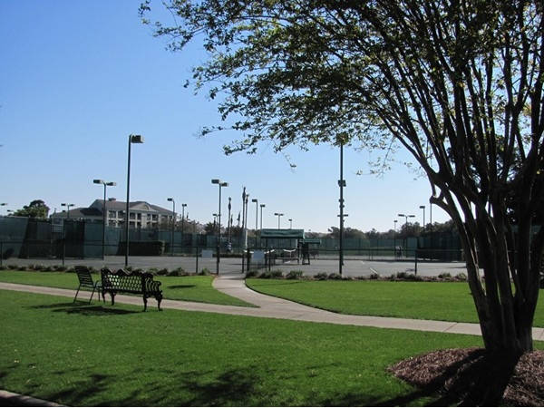 Perfect setting for tennis!