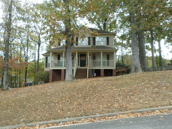 Nice two story home in Carriage Hill