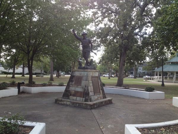A sculpture of a World War I Doughboy
