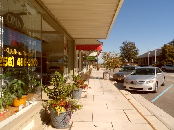 North Town Shops: Shopping in Downtown Guntersville