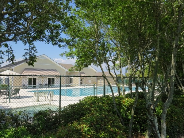 Ono Island Community Center includes pools, work out facility, tennis courts