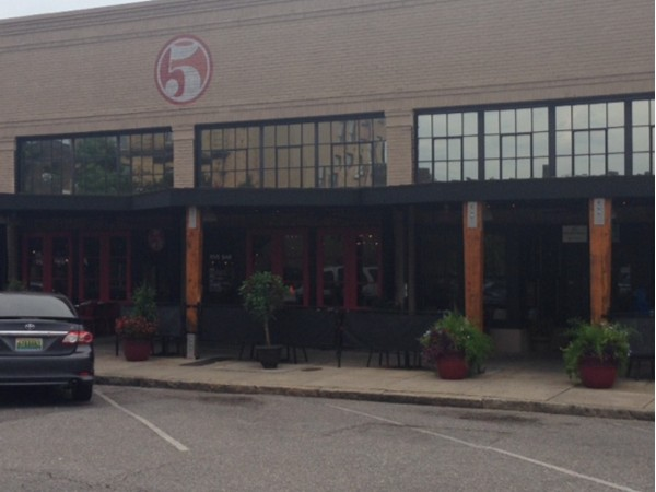 Come to downtown Tuscaloosa for dinner at the Five Bar!