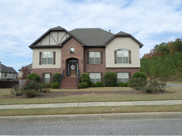 Nice two story home in Sterling Gate Cedar Grove