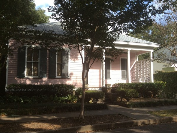 A nice home on S Warren Street