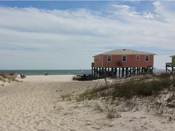 Neighborhood shared beach access! Trail to paradise