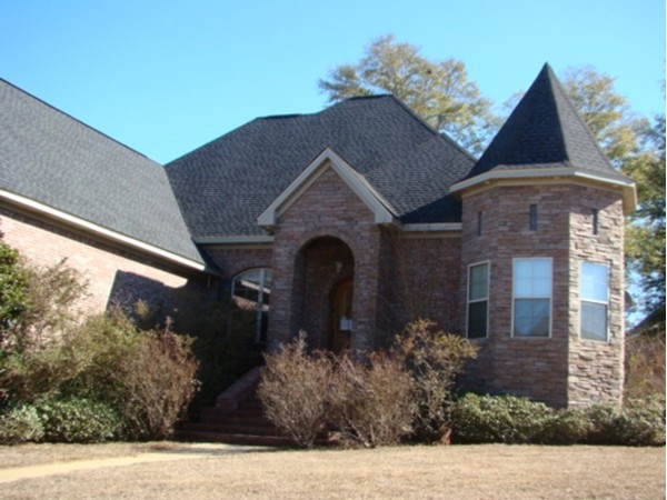Another lovely home in Turtle Creek!