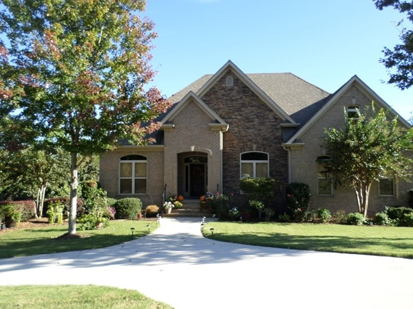There are many lovely homes in Asbury Parc in Helena
