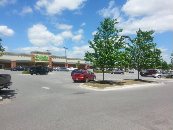 The shopping center next to Heritage Provence