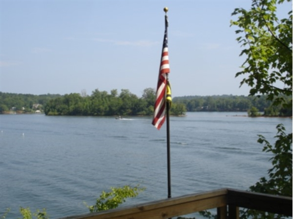 Happy Independence Day! Enjoy your 4th of July holiday with us here at Lake Wedowee