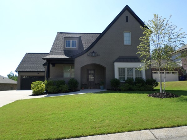 Chelsea Park - Lake View is close to shopping and dining