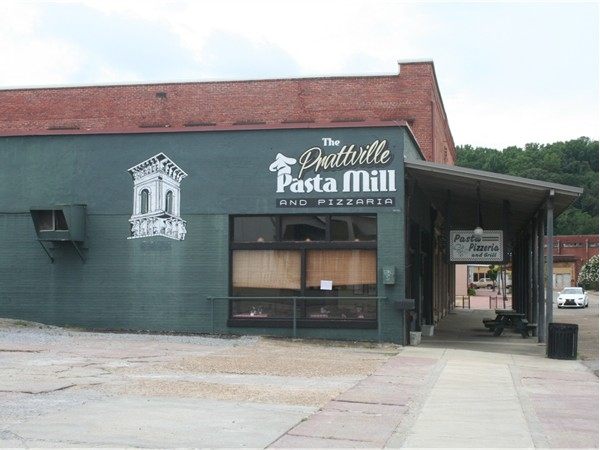 A great restaurant for pizza and pasta in downtown Prattville