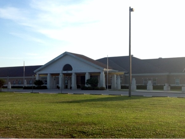Daphne East Elementary School has a great location and is next to the middle school