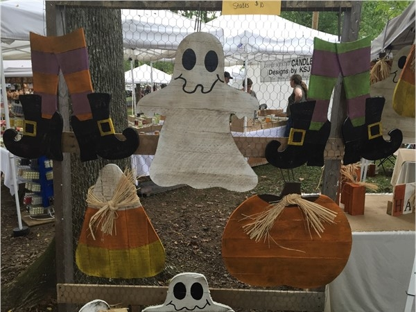 Halloween crafts at Homestead Hollow