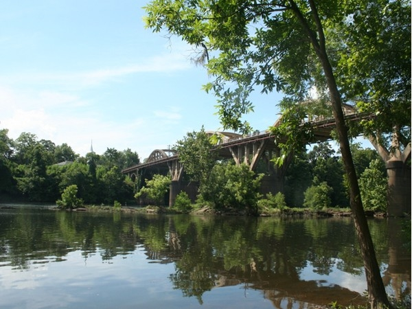 The Coosa River runs through the heart of Wetumpka
