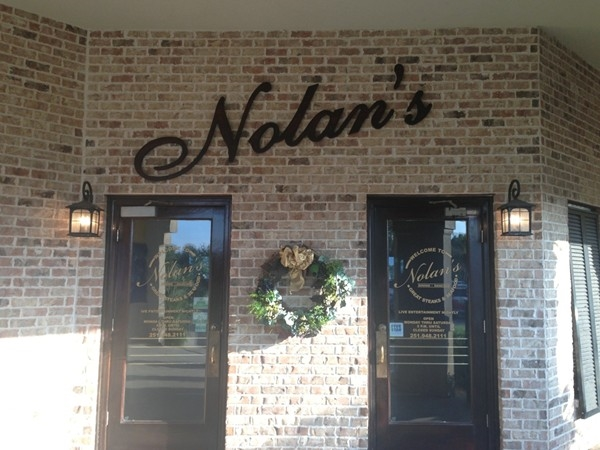 Nolan's has wonderful food and entertainment. Great place to eat, dance, or listen to the band