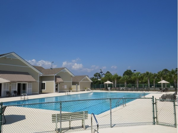 Ono Island North Community Center includes indoor and outdoor pools