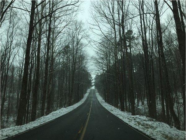 Beautiful back roads of North Alabama on a snowy day