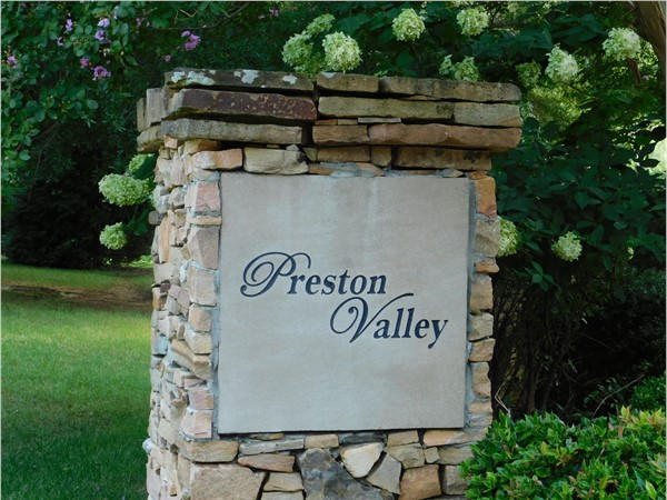 Beautiful Preston Valley located between Hampton Cove and downtown Huntsville