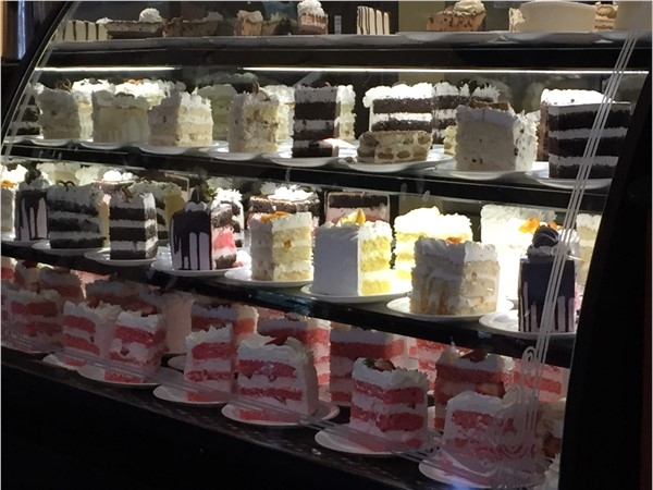 Welcome To Joes!  Italian!  Best and biggest cake slices in Alabaster