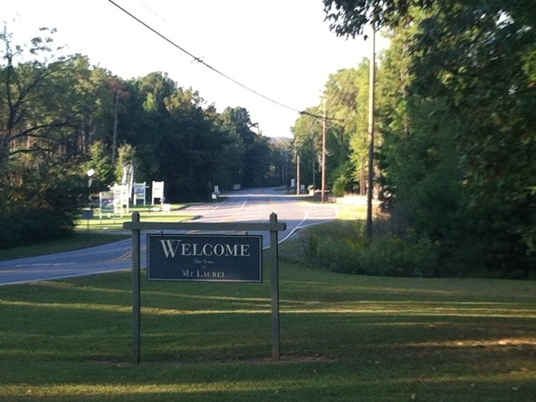 The town of Mt Laurel - off Hwy 280 in Shelby County