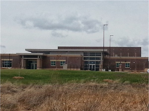 Want to enjoy the work, live, play lifestyle of Prairie Trail?  Walk to Prairie Trail Elementary!