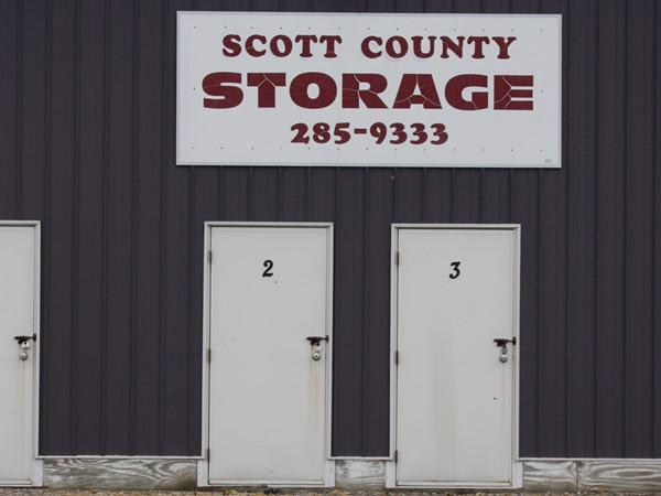 There are three storage businesses here in Park View. This one is called Scott County Storage