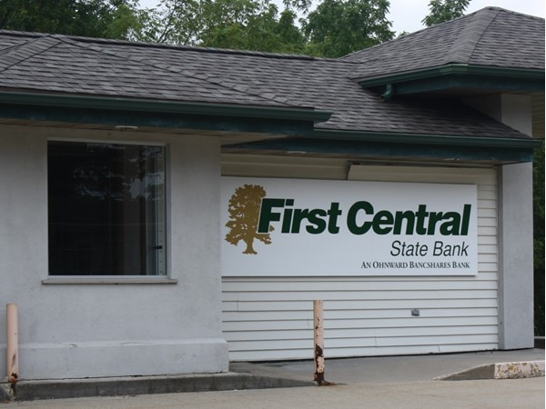 First Central State Bank located in the center of Long Grove