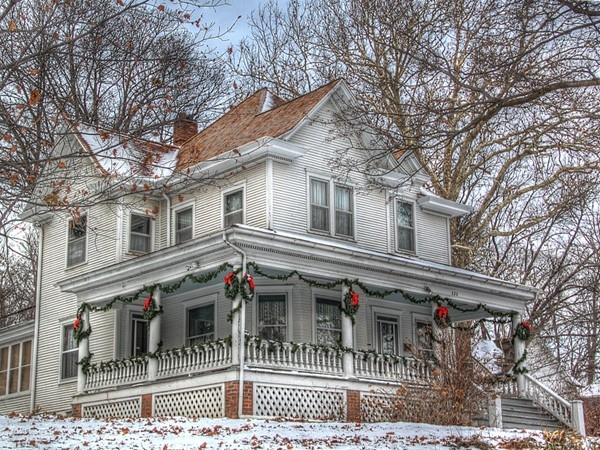 "Washington County Historical Association ""Frahm House"" decorated for the holiday season"