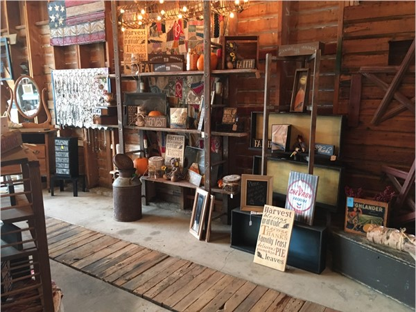 Fun little find: Stretch & Weezie's Rustic Junk-tique at 1252 230th Street, Hwy 3, Waverly